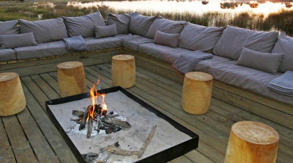 Canapé au coin du feu