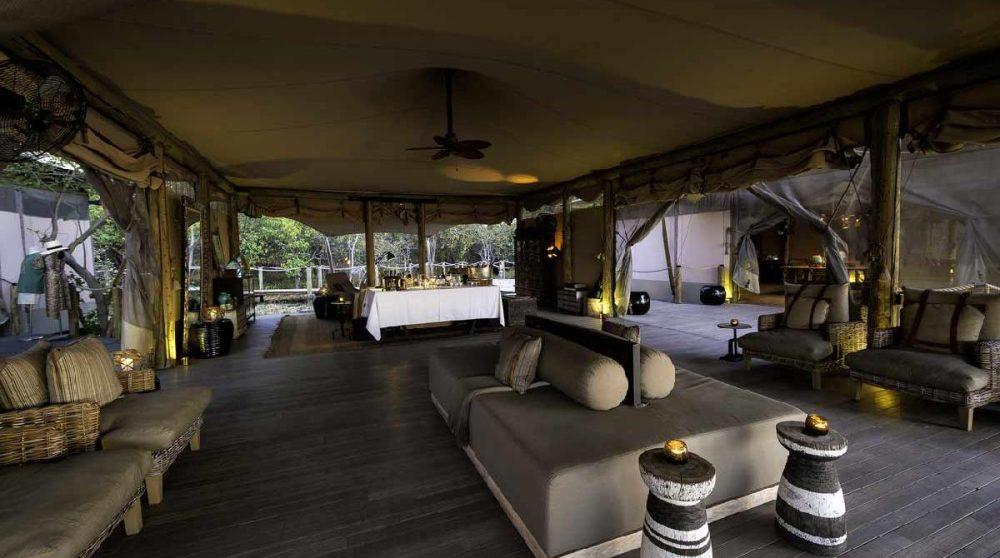 Le lounge dans le Delta de l'Okavango