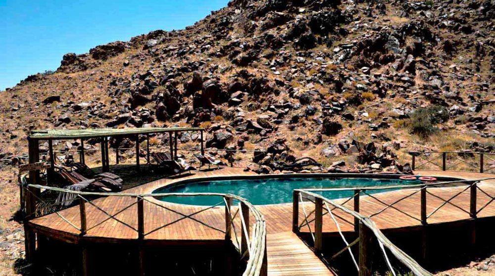 La piscine dans le désert du Namib