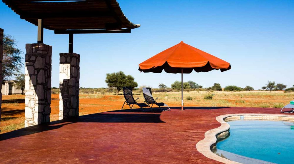 La piscine de l'Anib Lodge