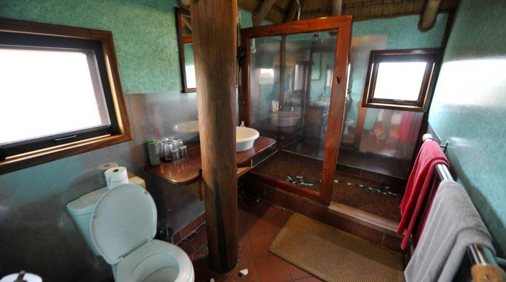 Une salle de bains au Stiltz