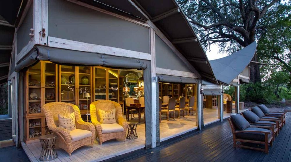 La terrasse le soir au Botswana