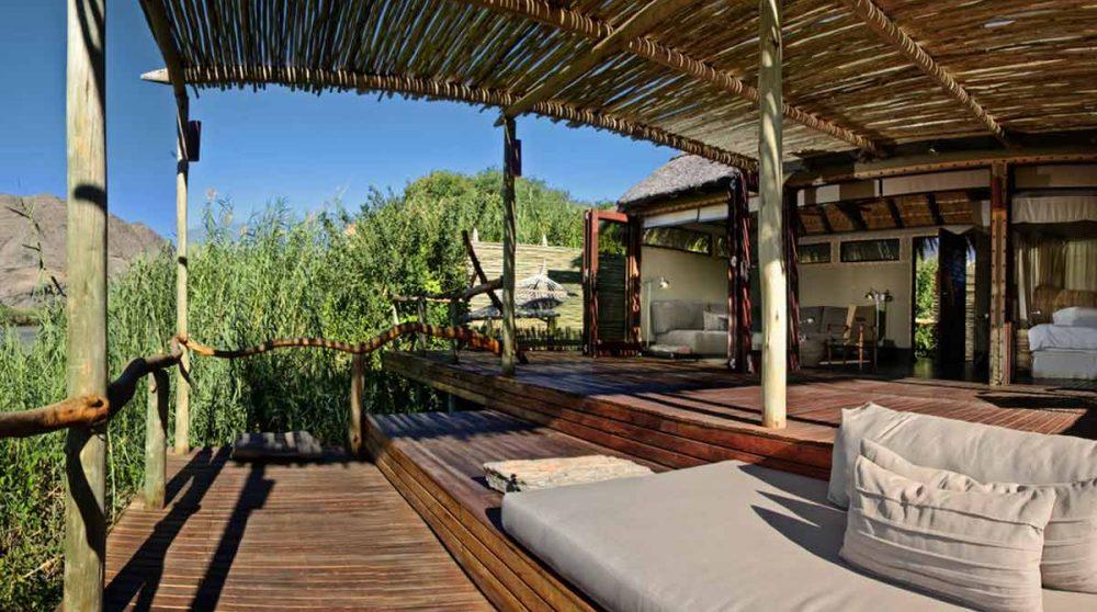 La terrasse d'une chambre en Namibie