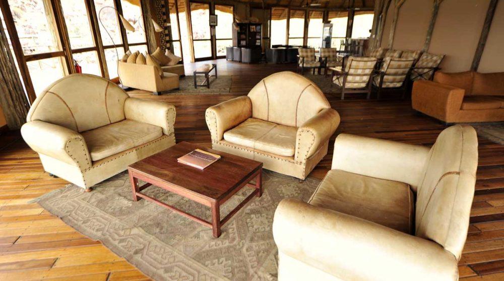 Coin détente dans un salon en Namibie