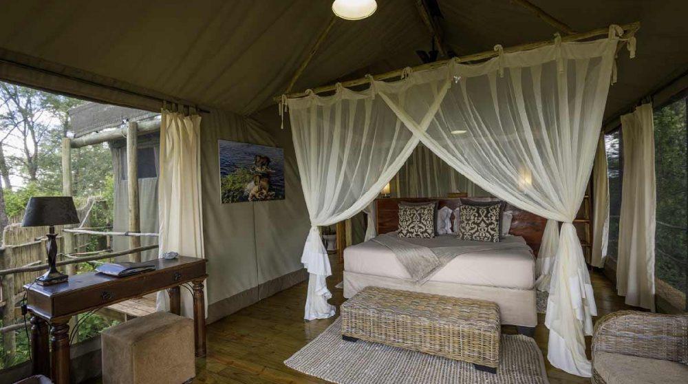 A l'intérieur de l'une des tentes dans le Delta de l'Okavango