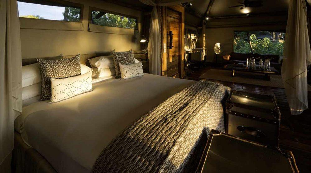 Le lit douillet dans le Delta de l'Okavango
