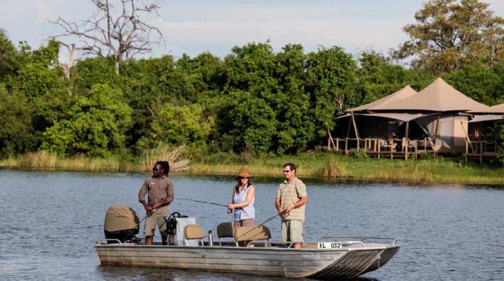 Pêche dans le Delta de l'Okavango