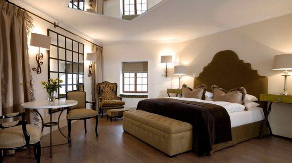 Grande chambre de l'hôtel à Windheok