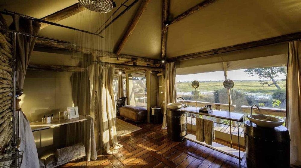 Dans la salle d'eau dans le Delta de l'Okavango
