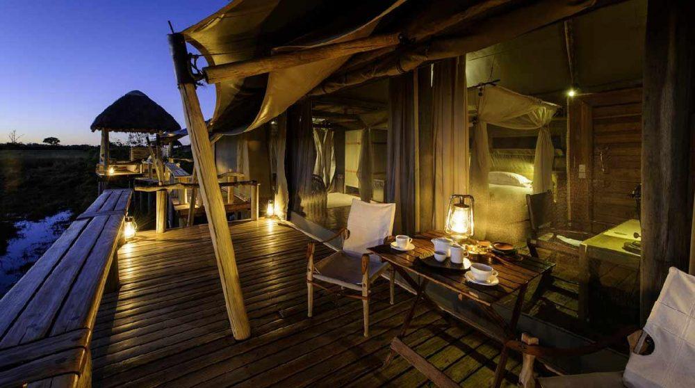 Depuis la terrasse de l'une des tentes au Botswana
