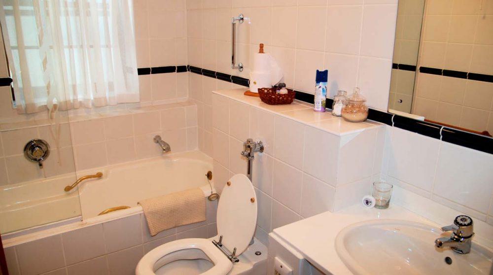La salle de bains d'une chambre superior au D'Ouwe Werf