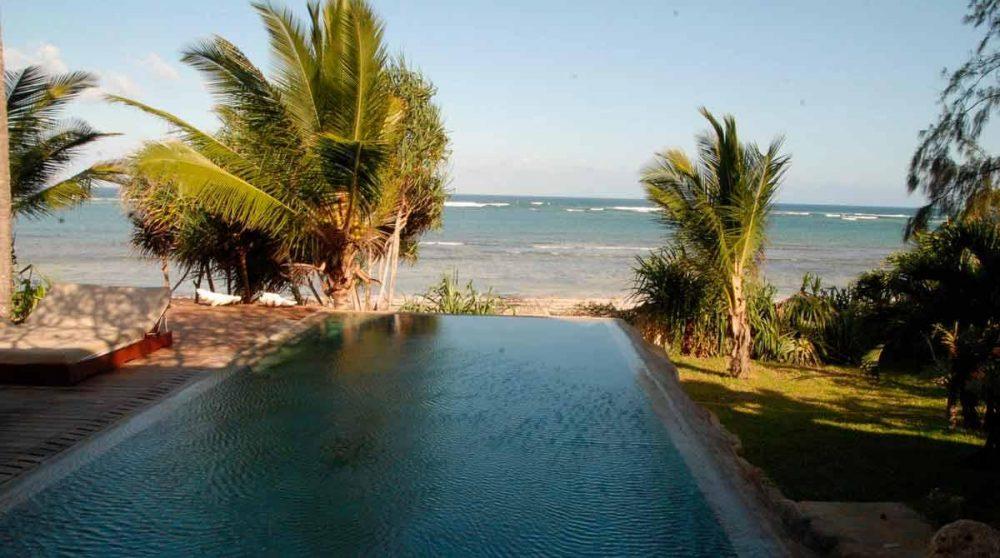 Vue la plage depuis l'Alfajiri Beach Villa