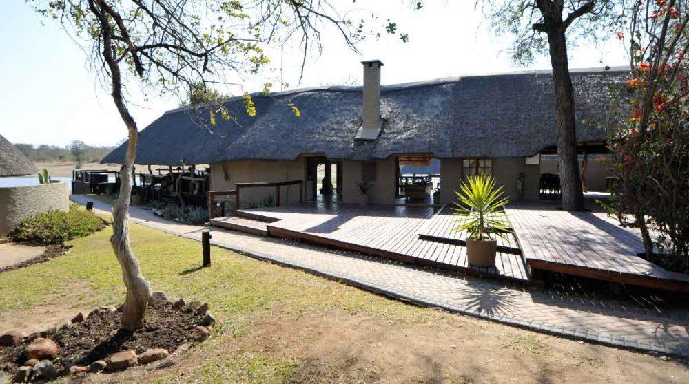L'extérieur de l'Arathusa Safari Lodge