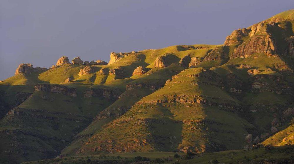 La chaîne du Drakesberg au coucher de soleil