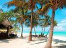 La plage au Sultan Sands