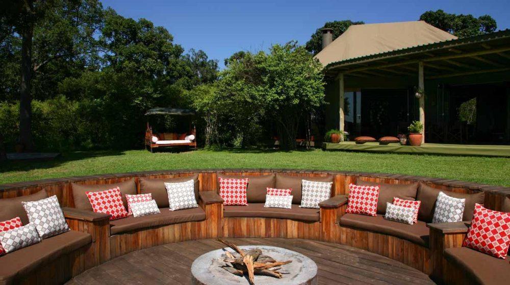 La terrasse du camp au Kenya