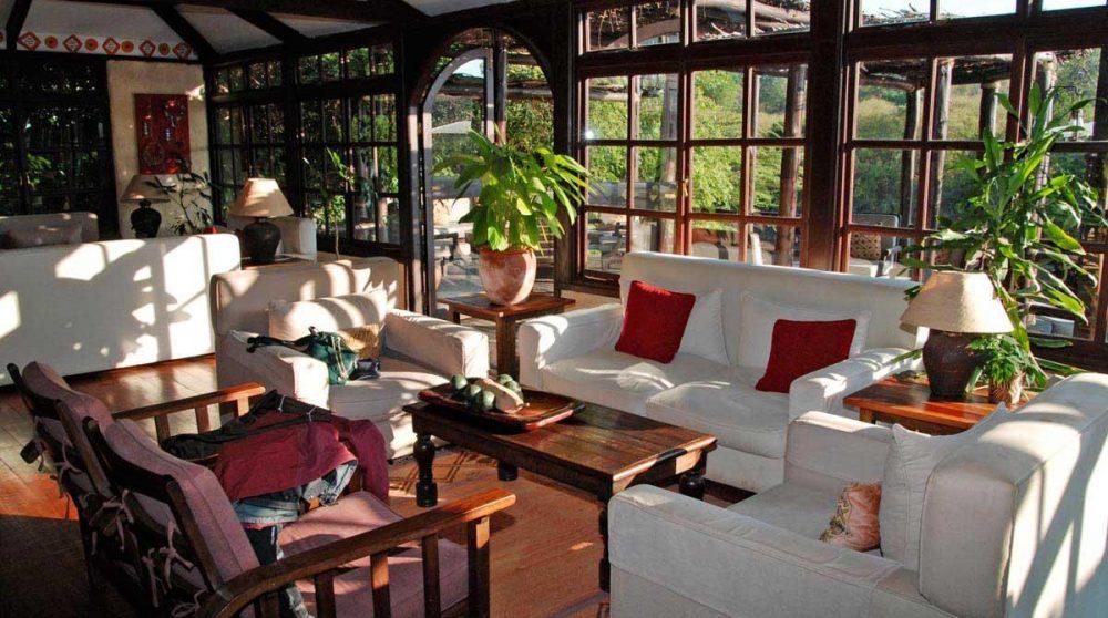 Canapés et fauteuils du salon au Kenya