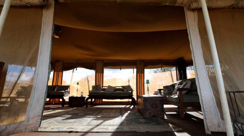 Intérieur d'une tente en Tanzanie