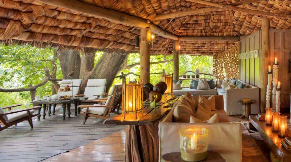 Le salon et la terrasse en Tanzanie