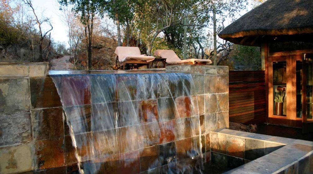 Une cascade d'eau en Afrique du Sud