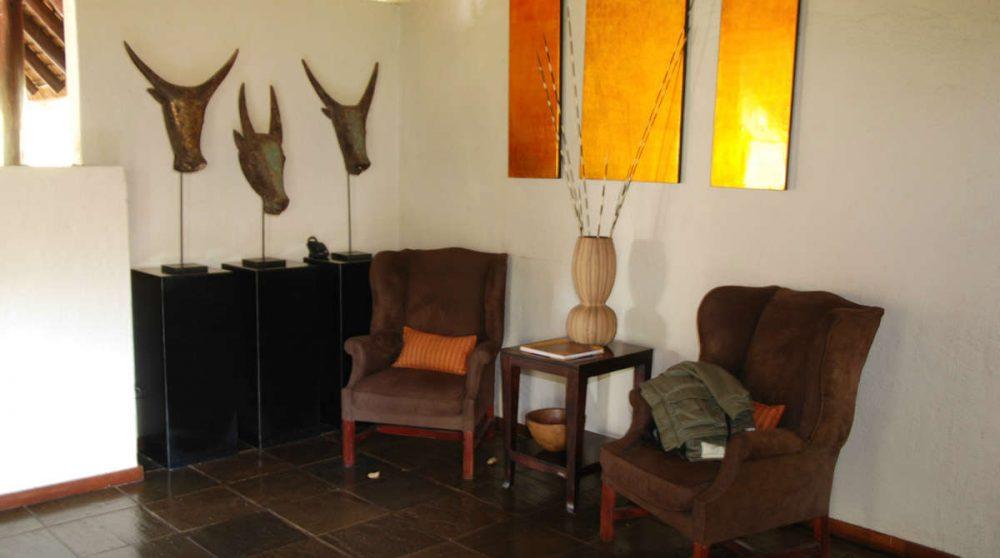 Fauteuils dans le salon près du parc Kruger