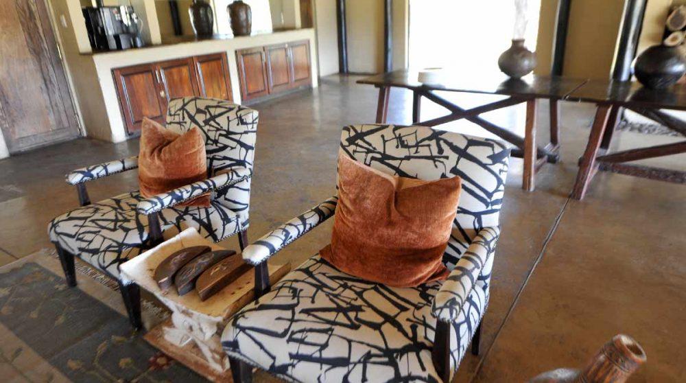 Fauteuils dans le salon en Afrique du Sud