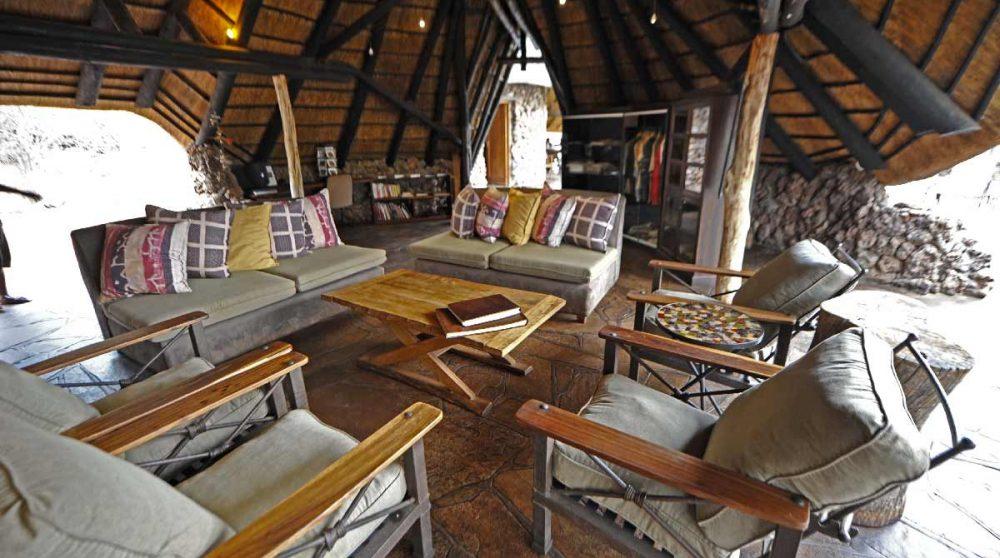 Le salon du camp à Etosha
