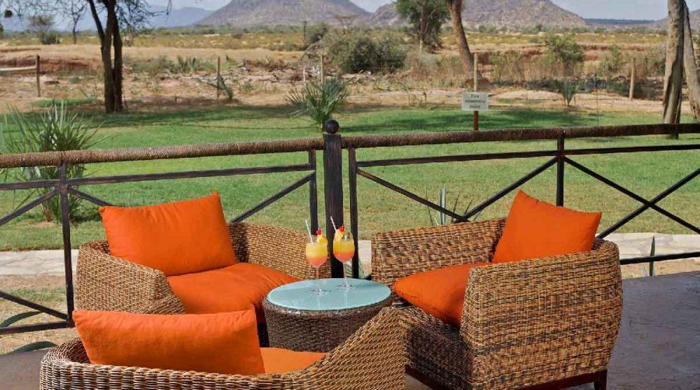Une terrasse avec vue sur les montagnes au Kenya