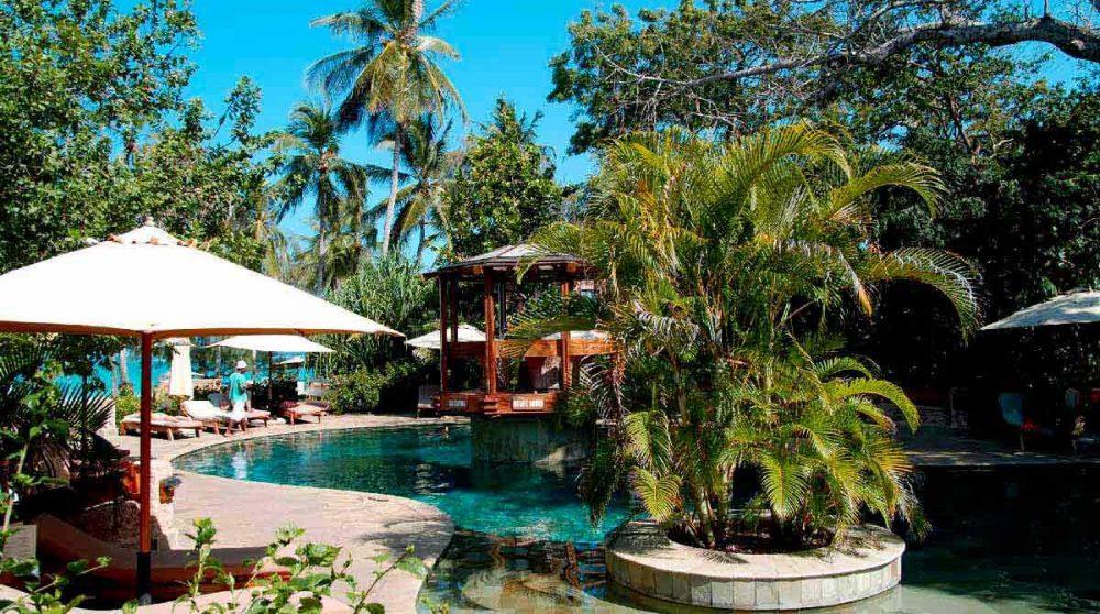 La piscine de l'hôtel à Mombasa
