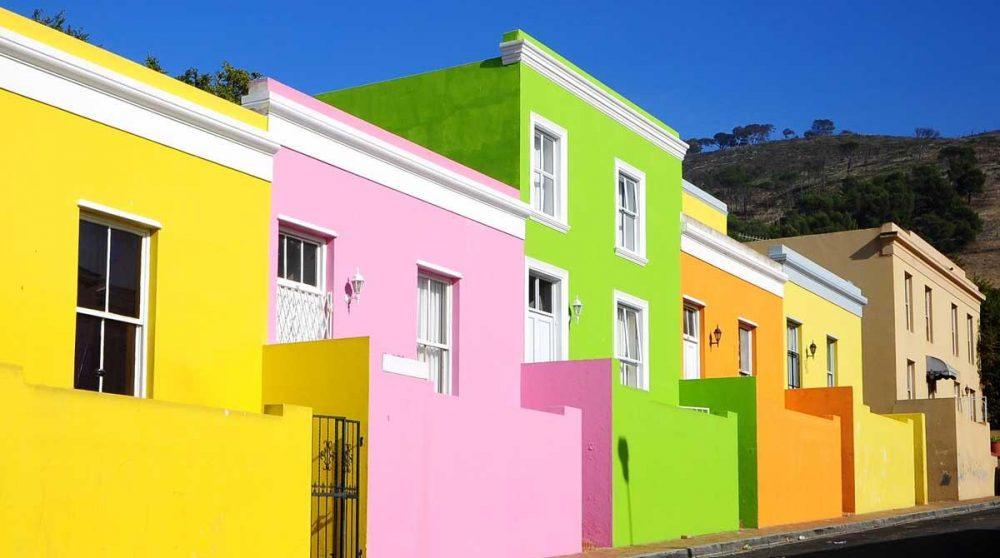 Les maisons colorées de Bo Kaap à Cape Town