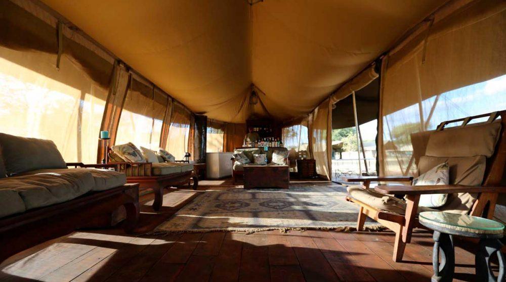 Autre vue de la tente dans le parc du Serengeti