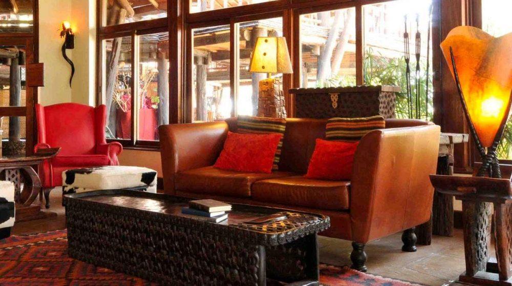 Un salon de l'hôtel à Amboseli