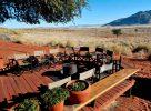 Fauteuils sur la terrasse à Namib