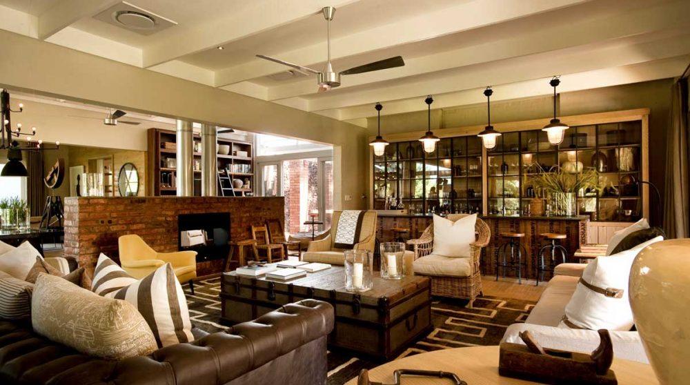 Le salon et le bar à Madikwe