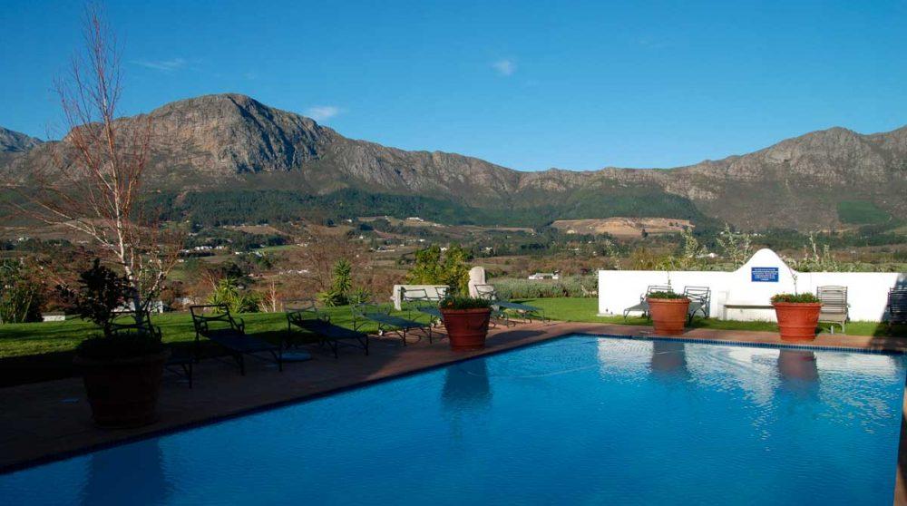 La piscine et les montagnes à Franschhoek