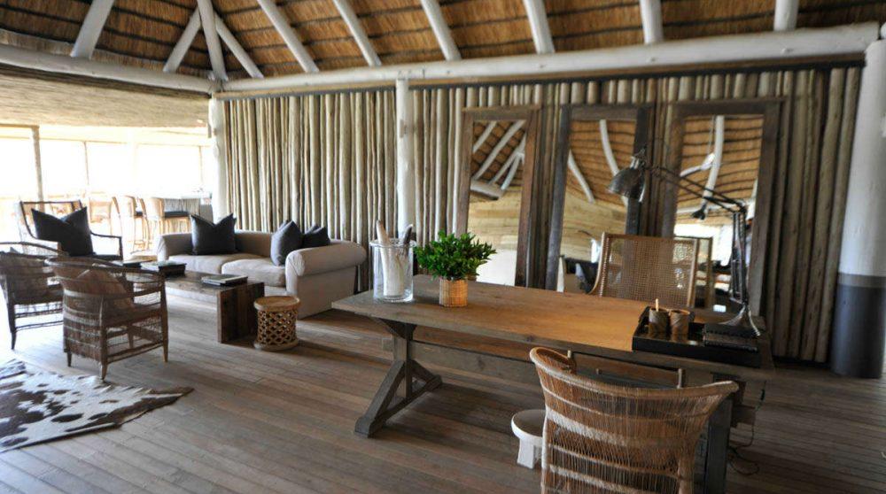 Le salon du camp à Sabi Sand