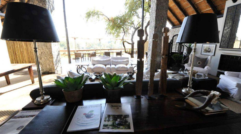 Salon donnant sur la terrasse en Afrique du Sud