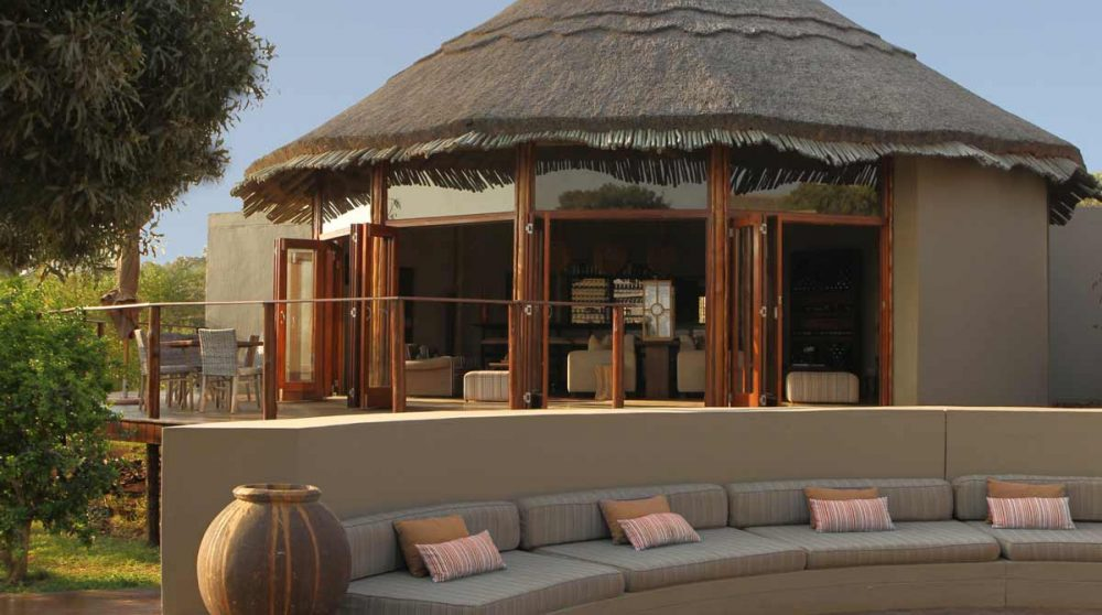 La terrasse du Thanda Tented Camp