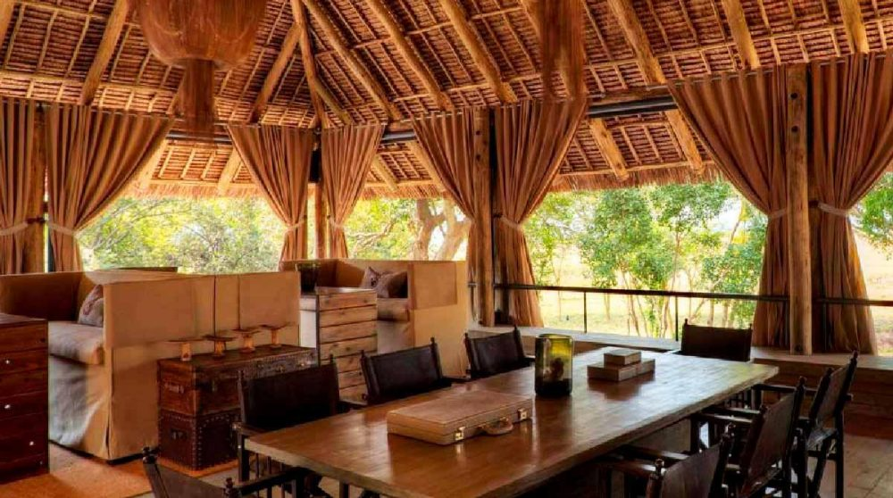 Salle à manger dans le Masai Mara