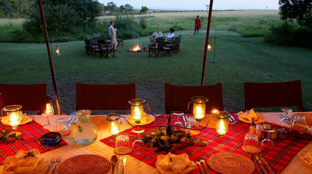 Vue sur le jardin depuis une tente au Kenya