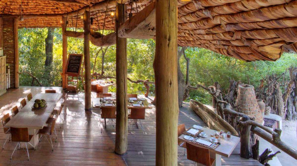 La terrasse pour déjeuner en Tanzanie