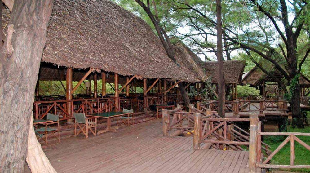 La terrasse en bois au Kenya