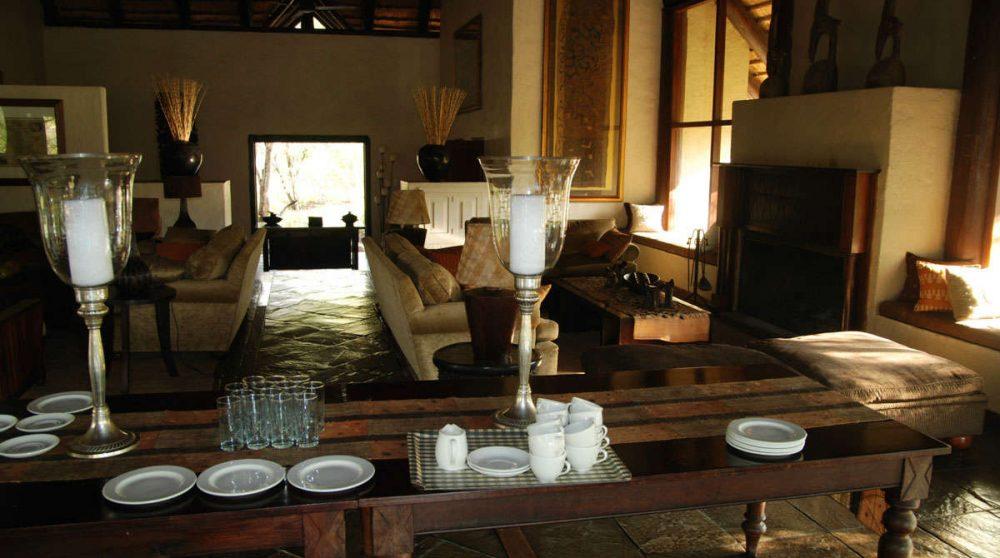 Table pour le petit-déjeuner près du parc Kruger