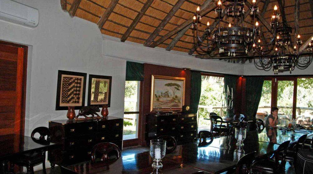 La salle à manger à Manyeleti