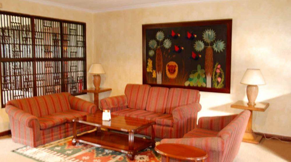 Un salon de l'hôtel au Kenya