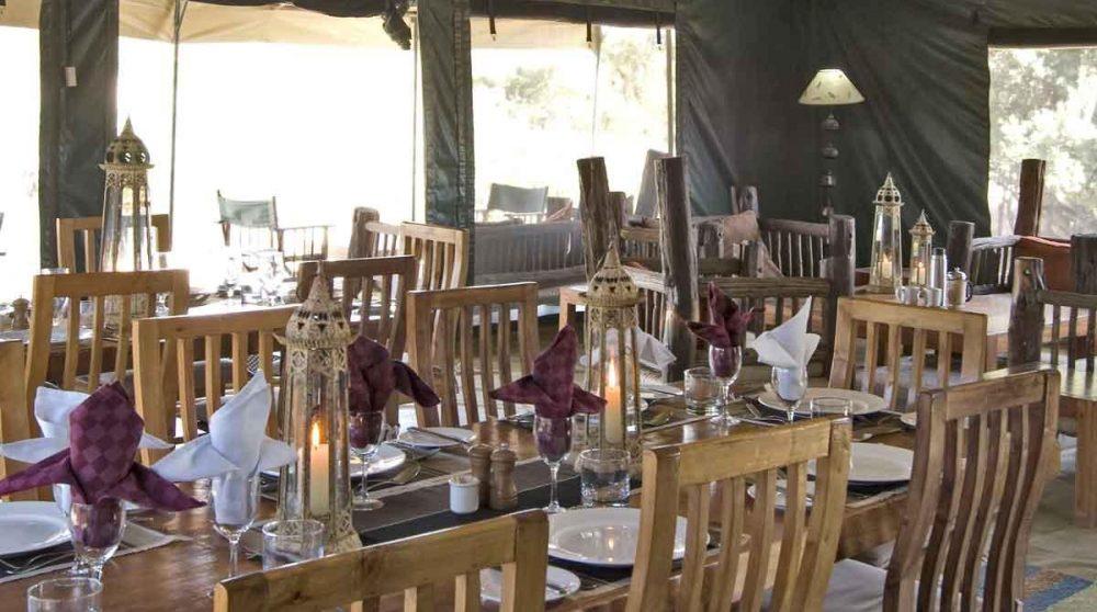 Tables pour déjeuner au Kenya