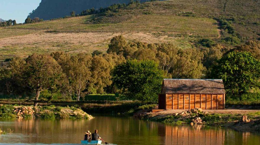 Le lac à proximité en Afrique du Sud