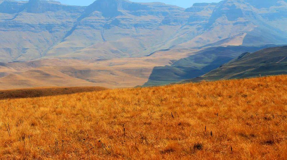 Les monts du Drakensberg en hiver