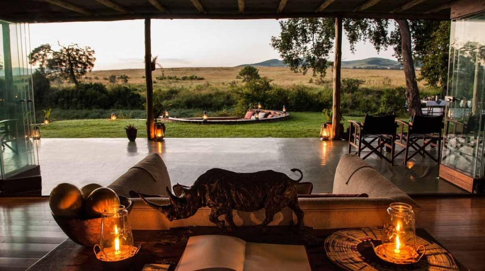 Le salon le soir dans le Masai Mara