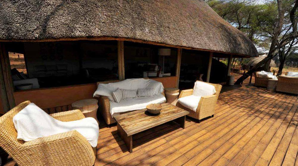 Un salon en plein air en Tanzanie